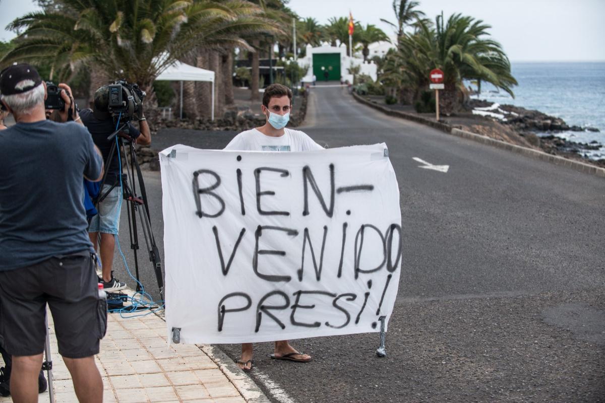 Moncloa admite que la salida de Juan Carlos I de España agrieta la coalición