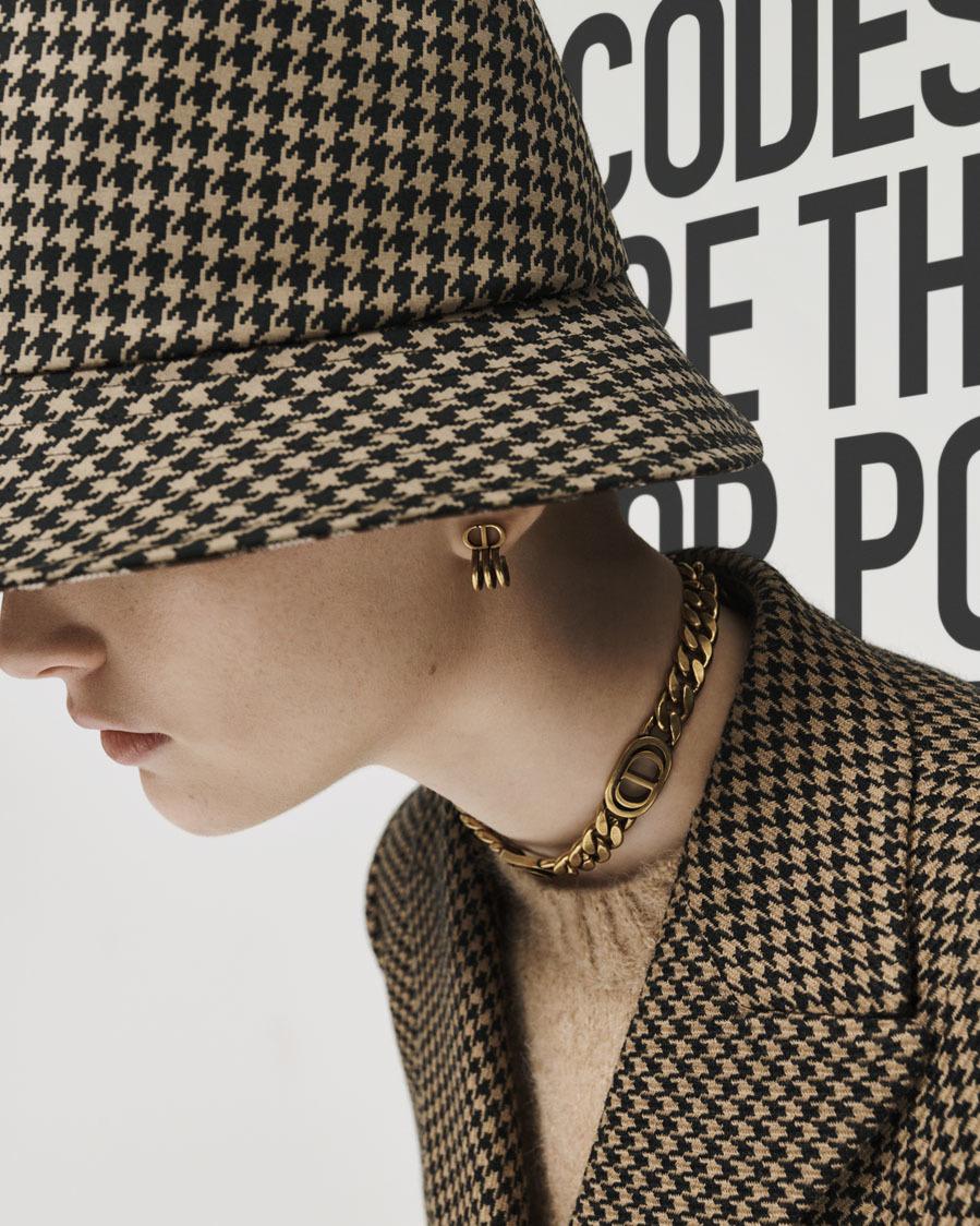 Complementos Otoño 2020 de Dior fotografiados por Sarah Blais