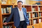 Luis Cacho en su despacho. El cargo le duró un año