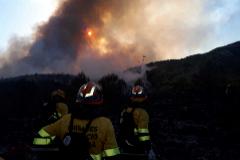 Tres incendios forestales queman el interior norte de la provincia de Alicante