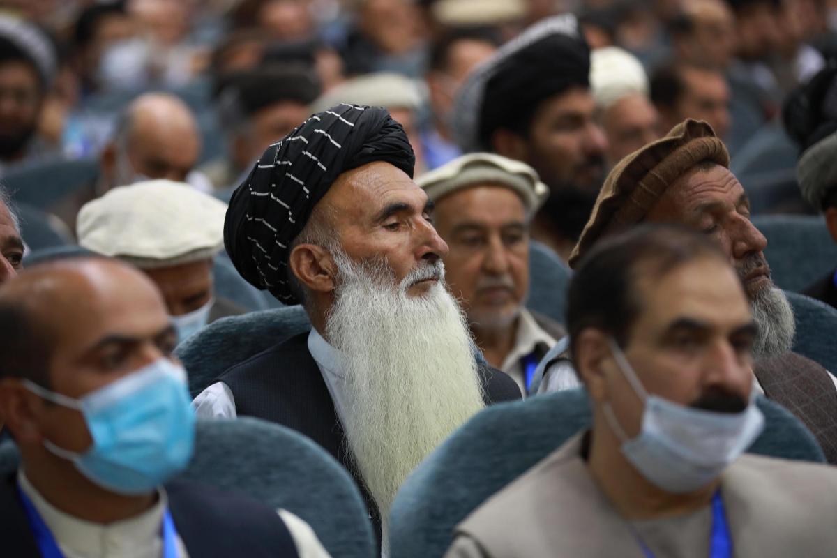 Afganistán liberará a 400 prisioneros talibán para negociar la paz