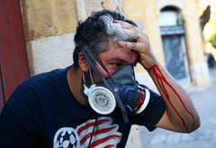 La comunidad internacional se vuelca con el Líbano tras las explosiones  mientras siguen las protestas y el Gobierno se resquebraja