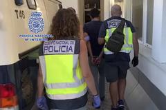 Fotograma del vídeo de la detención de Jean Marc Sirichai por la Policía Nacional.