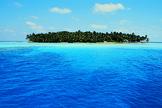 Isla desierta en medio del océano