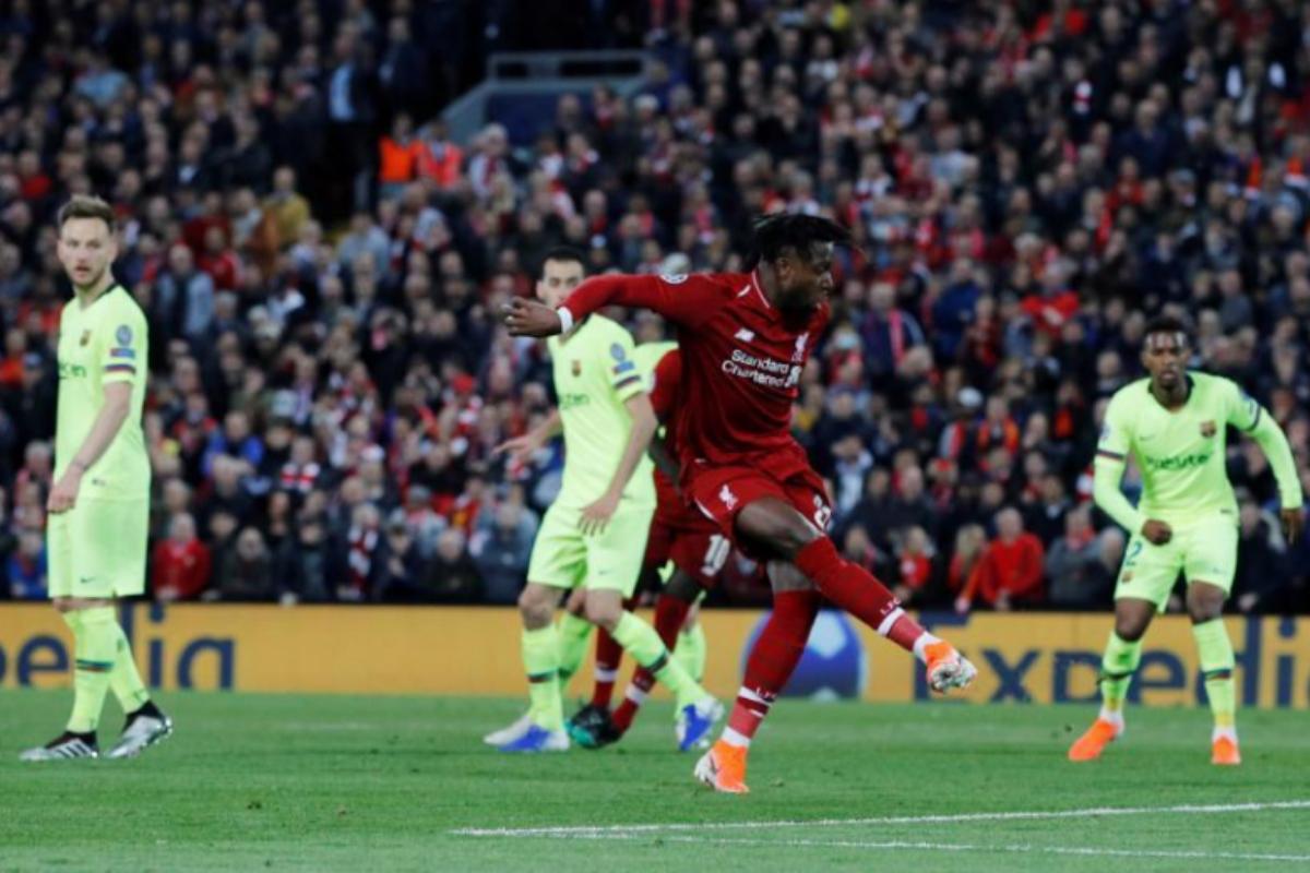 Origi marca el cuarto gol del Liverpool en Anfield 2019.