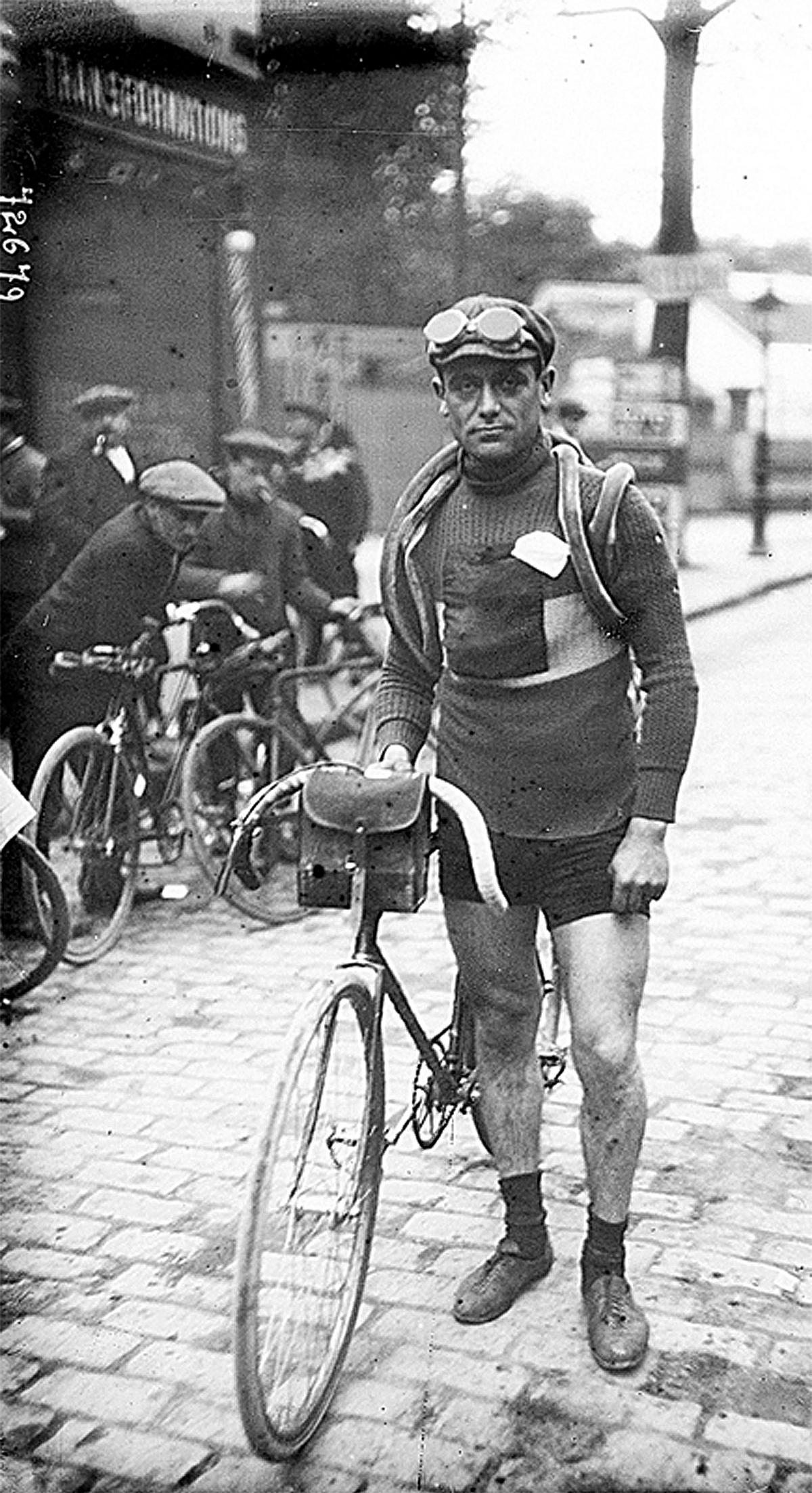 El ciclista francés Eugene Christophe.