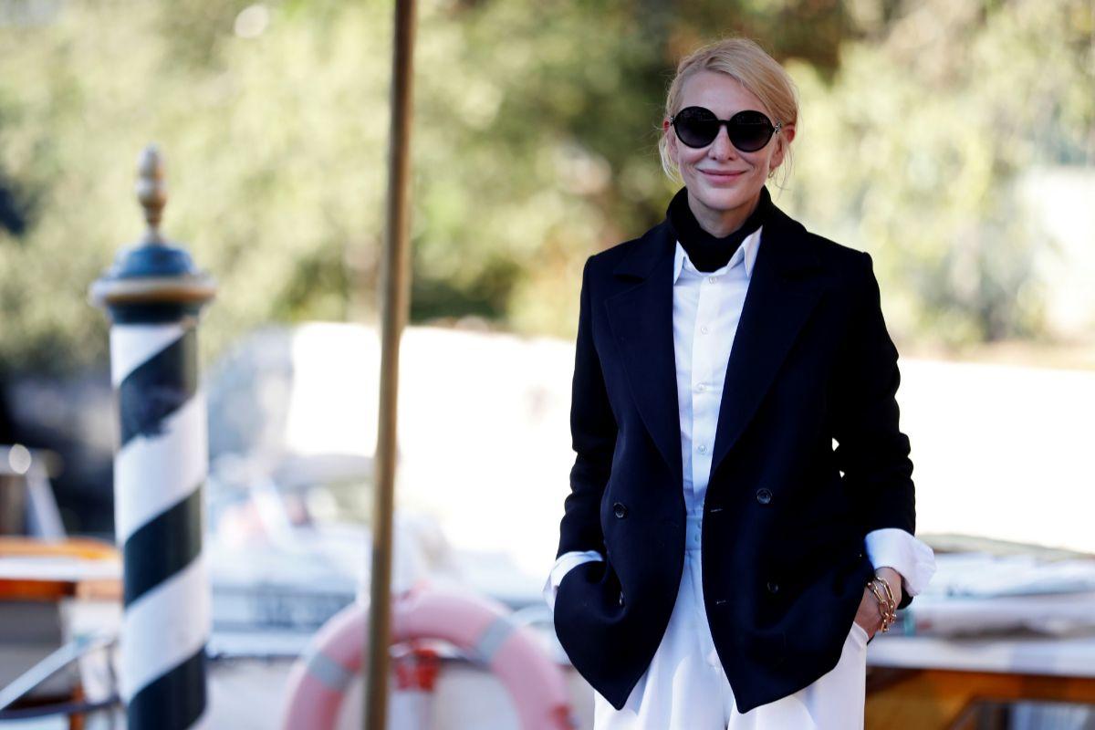 Cate Blanchett, presidenta del jurado, a su llegada a Venecia este martes.