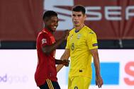 Ansu Fati celebra el gol que marcó ante Ucrania.