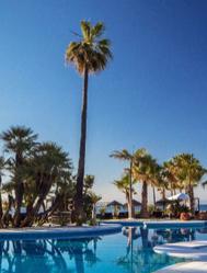 Ofertas, planazos y gangas en hoteles y paquetes para estirar el verano por toda España