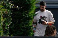 Luis Suárez, con su mujer, el pasado agosto en la casa de Messi.