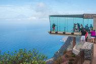 El mejor clima del mundo, 500 playas y otros motivos para alargar el verano en Canarias