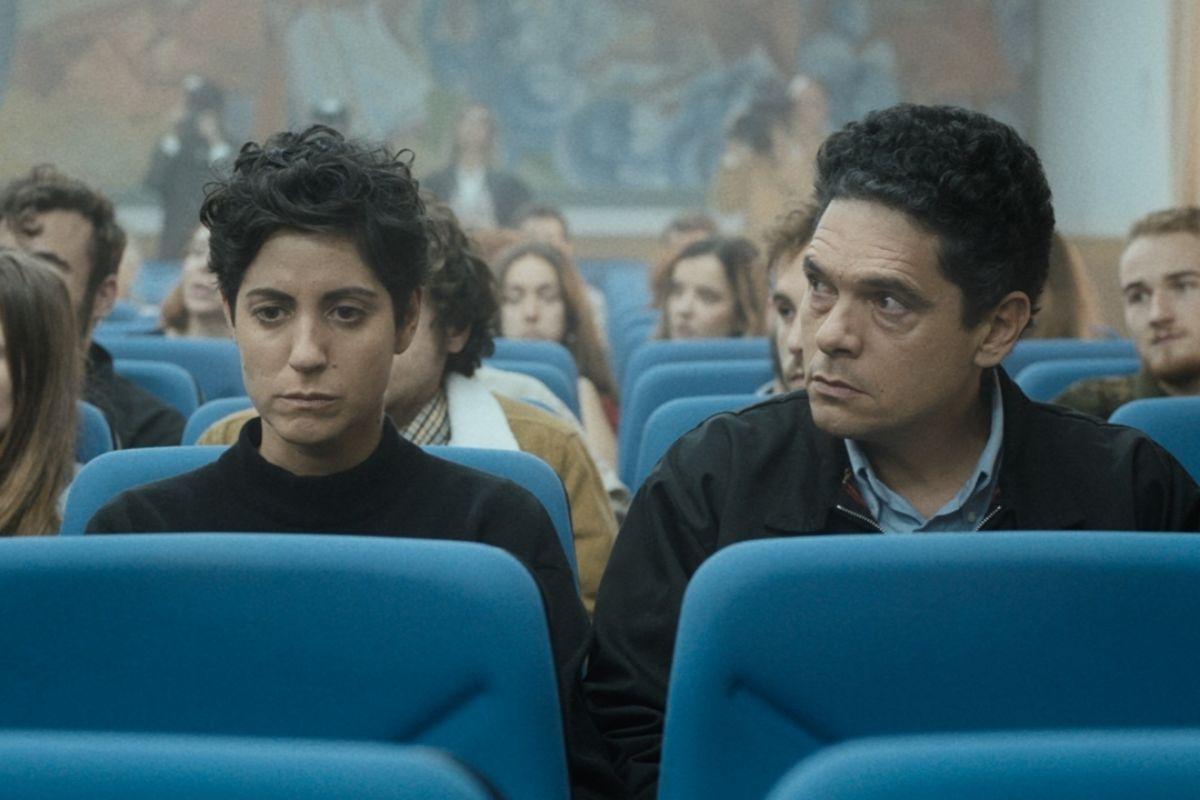 Gloria March y Pablo Molinero en una escena de 'La mort de Guillem'.