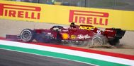 El trompo de Leclerc el viernes en la curva de Correntaio.