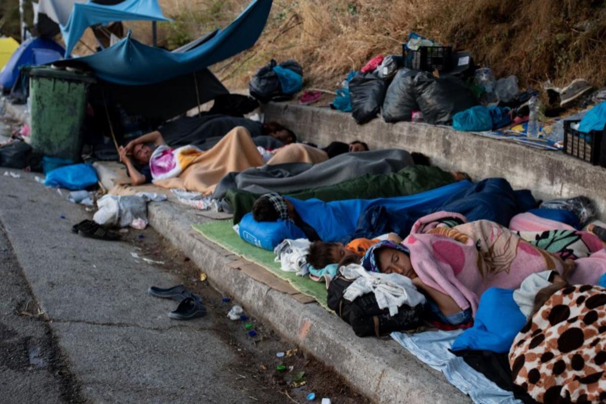 La Generalitat de Cataluña y el Ayuntamiento de Barcelona se ofrecen a acoger a refugiados de la isla de Lesbos