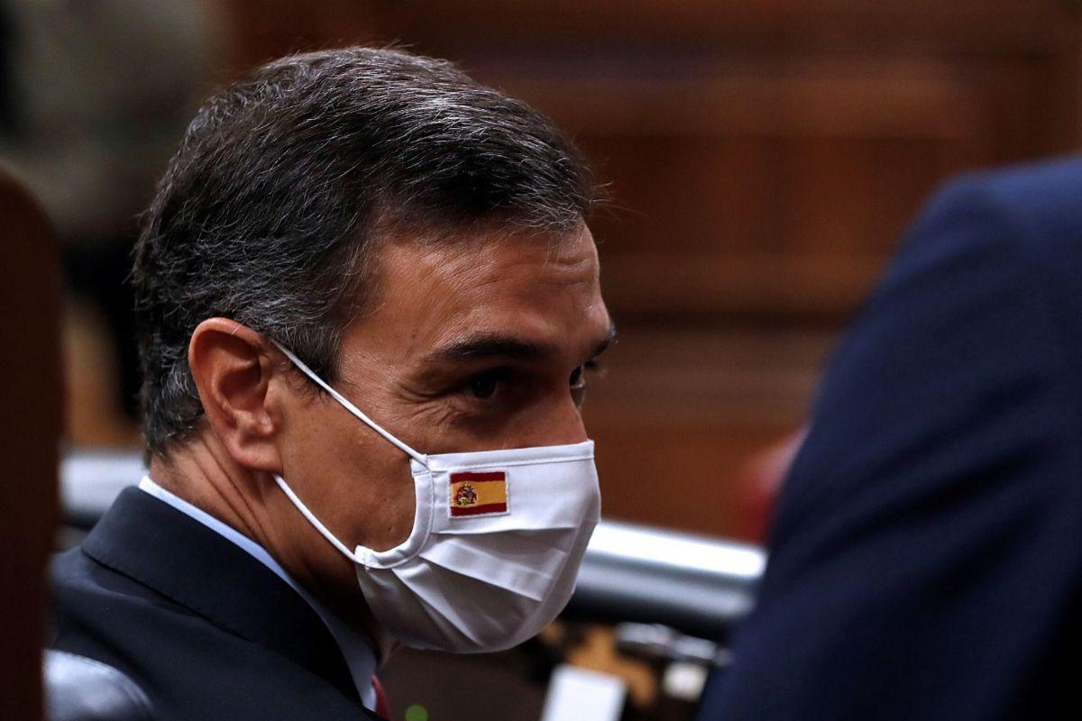 """Pedro Sánchez evita hablar de recortes, acusa al PP de """"tapar un delito con otro"""" y urge a Pablo Casado a pactar el CGPJ"""