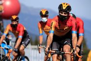 Cycling - Tour de France - Stage 18 - Meribel to La Roche-sur-Foron - France - September 17, 2020. Bahrain-McLaren rider Mikel lt;HIT gt;Landa lt;/HIT gt; of Spain before the start. Pool via REUTERS/Christophe Petit Tesson