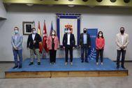 Los alcaldes de Parla, Fuenlabrada, Pinto, Getafe y Alcorcón durante la rueda de prensa tras la reunión mantenida este viernes.