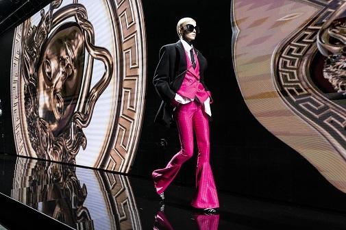 Desfile de Versace otoño-invierno 2020/21