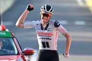 Soren Kragh Andersen celebra su segunda victoria en el Tour.
