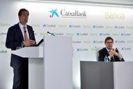 José Ignacio Goirigolzarri (d) y Gonzalo Gortázar ejercerán de presidente y consejero delegado, respectivamente, de la entidad resultante de la absorción de Bankia por CaixaBank.