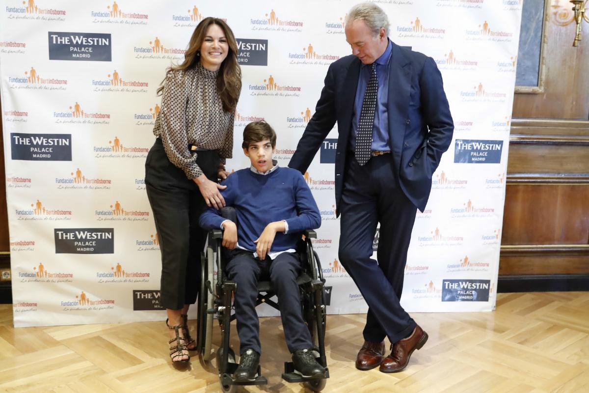 Con su mujer, Fabiola, y su hijo Kike.