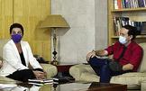 El vicepresidente segundo del Gobierno, Pablo Iglesias se reúne el pasado miércoles con Mertxe Aizpurua (EH Bildu).