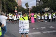 Los trabajadores de la EMT recrudecen sus protestas y exigen la dimisión del alcalde