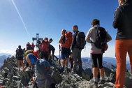 Masificación en el Alto Pirineo: denuncian las colas para hacerse un selfie a 3.000 metros de altura