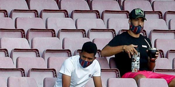 Suárez, en la grada del Camp Nou durante el Trofeo Joan Gamper.