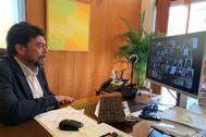 El alcalde Luis Barcala en la reunión telemática de ayer.