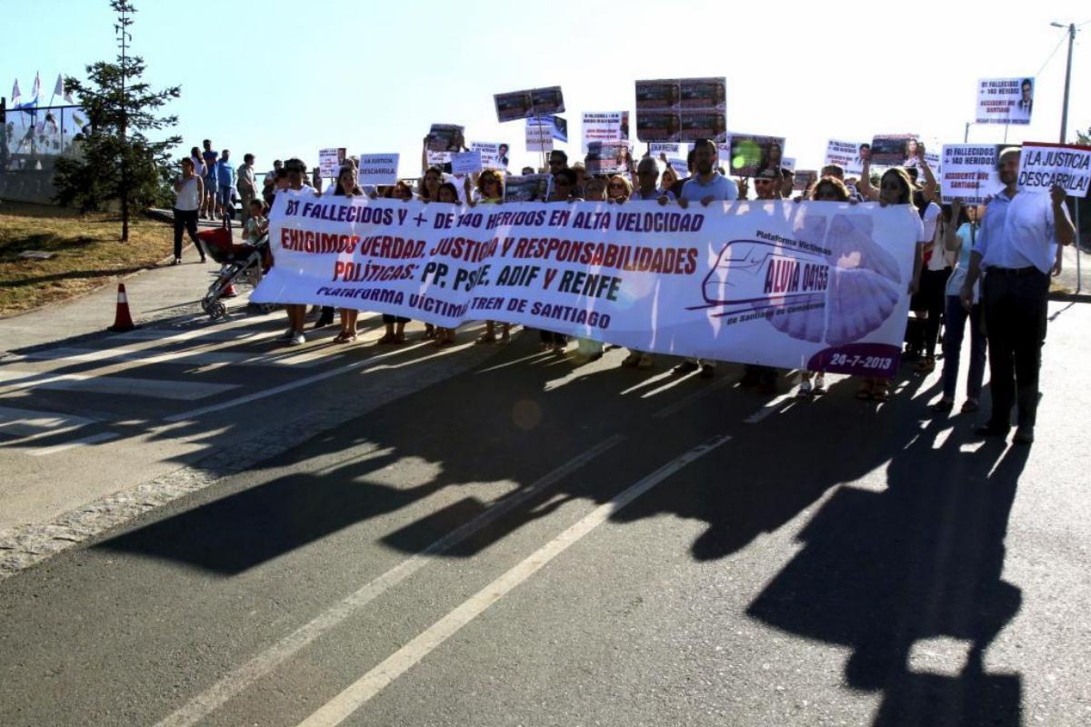 Vuelve a cerrarse la investigación judicial del accidente del Alvia con el maquinista y un cargo de Adif como imputados