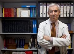 El doctor en Micobiología Emilio Bouza.