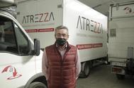 Ángel Aguilera, empresario autónomo, en su nave industrial de Ajalvir (Madrid),