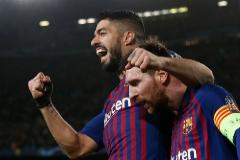 Luis Suárez y Messi celebran un gol con el Barcelona.