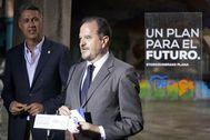 Carlos Iturgaiz acompañado por Xavier García Albiol durante un acto en las últimas elecciones autonómicas.