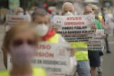 Un grupo de jubilados se manifiesta el pasado junio en Madrid.