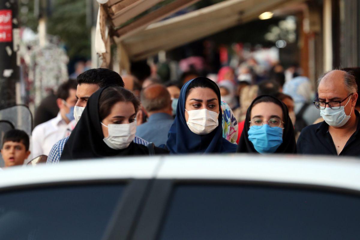 Irán surca la tercera ola de la pandemia buscando una vacuna