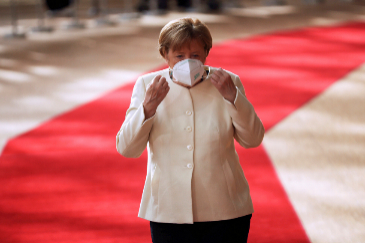 German Chancellor Angela lt;HIT gt;Merkel lt;/HIT gt; arrives for the first face-to-face EU summit since the coronavirus disease (COVID-19) outbreak, in Brussels, Belgium July 19, 2020. Francisco Seco/Pool via REUTERS - RC27WH9Z3HP9