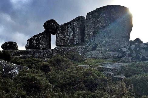 Un Stonehenge en una montaña perdida de Galicia: la puerta que comunica con el más allá