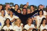 Gérald Marie, en 2000, en Niza, junto a varias aspirantes a modelos.