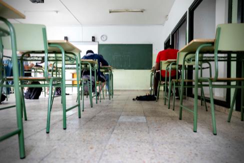 Un aula con distancias en un instituto de Coslada (Madrid).