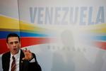 Henrique Capriles se baja de la carrera electoral
