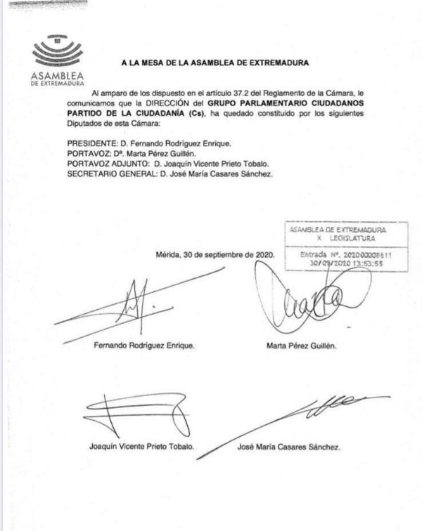 Detalle del documento presentado a la Mesa de la Asamblea de Extremadura.