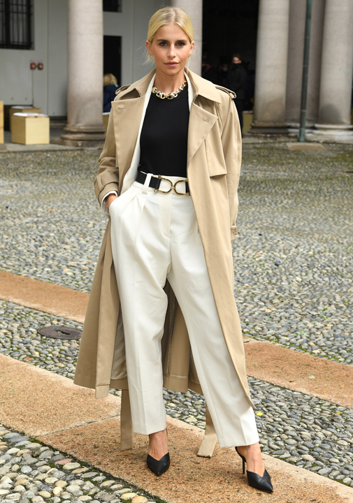 Caroline Daur en Milán durante la Semana de la Moda.