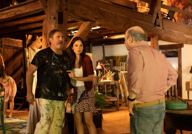 De izda. a dcha., Paco (Sergi López), Jo (Elena Anaya) y Mort Rifkin (Wallace Shawn).