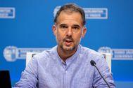 El epidemiólogo Ignacio Garitano durante su comparecencia ante los medios de comunicación en Vitoria.