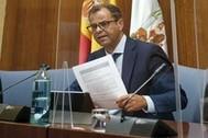 El director general de la RTVA, Juande Mellado, en la comisión parlamentaria en una imagen de archivo.