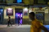 Un local de Malasaña vacío en una de las últimas noches madrileñas