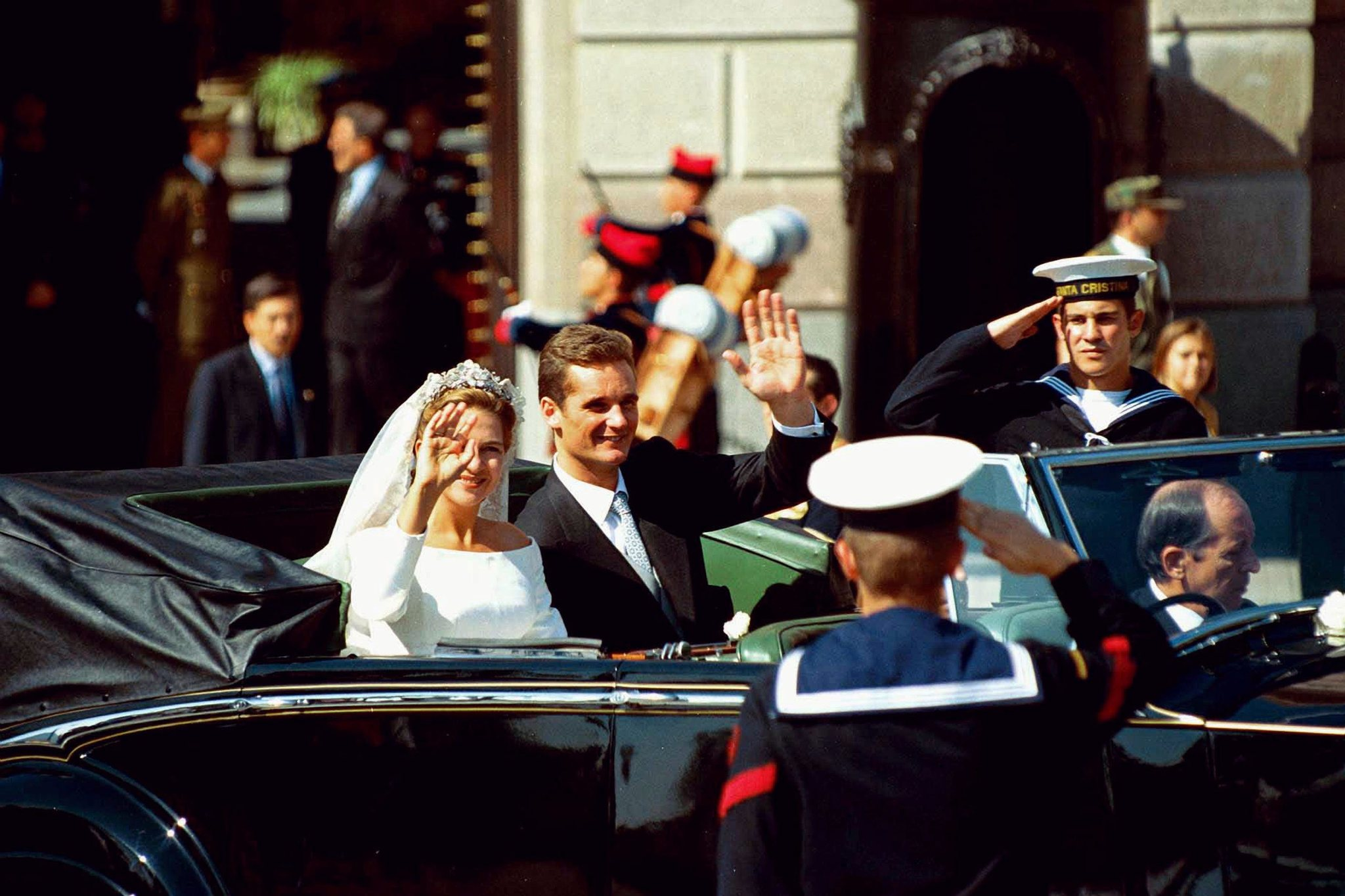 Los Duques de Palma se dieron un baño de masas el día de su boda