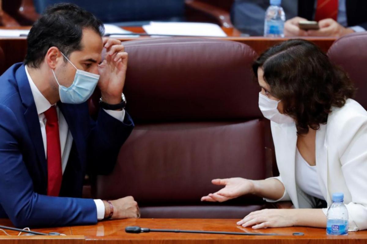 Ignacio Aguado e Isabel Díaz Ayuso, en el pleno de la Asamblea de esta semana